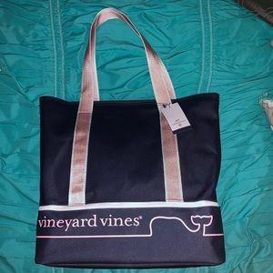 Vineyard vines target beach tote
